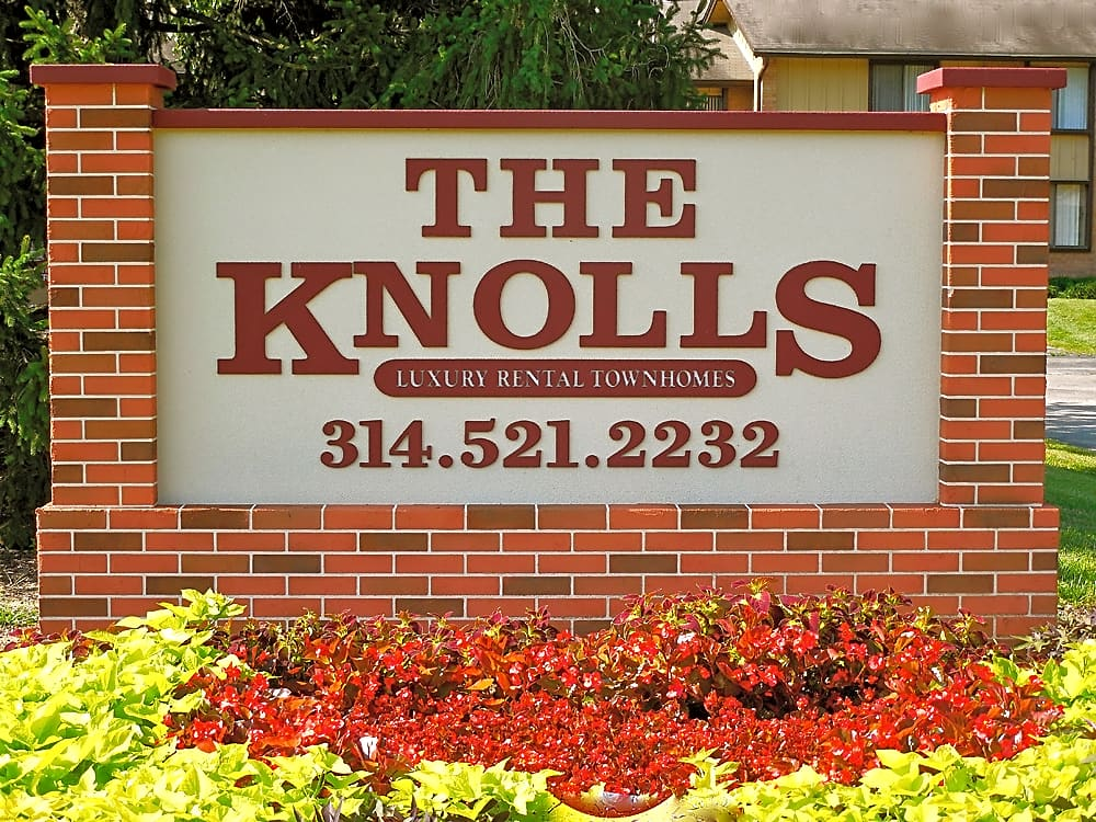 Apartments Near St. Louis The Knolls Townhomes for Saint Louis Students in Saint Louis, MO
