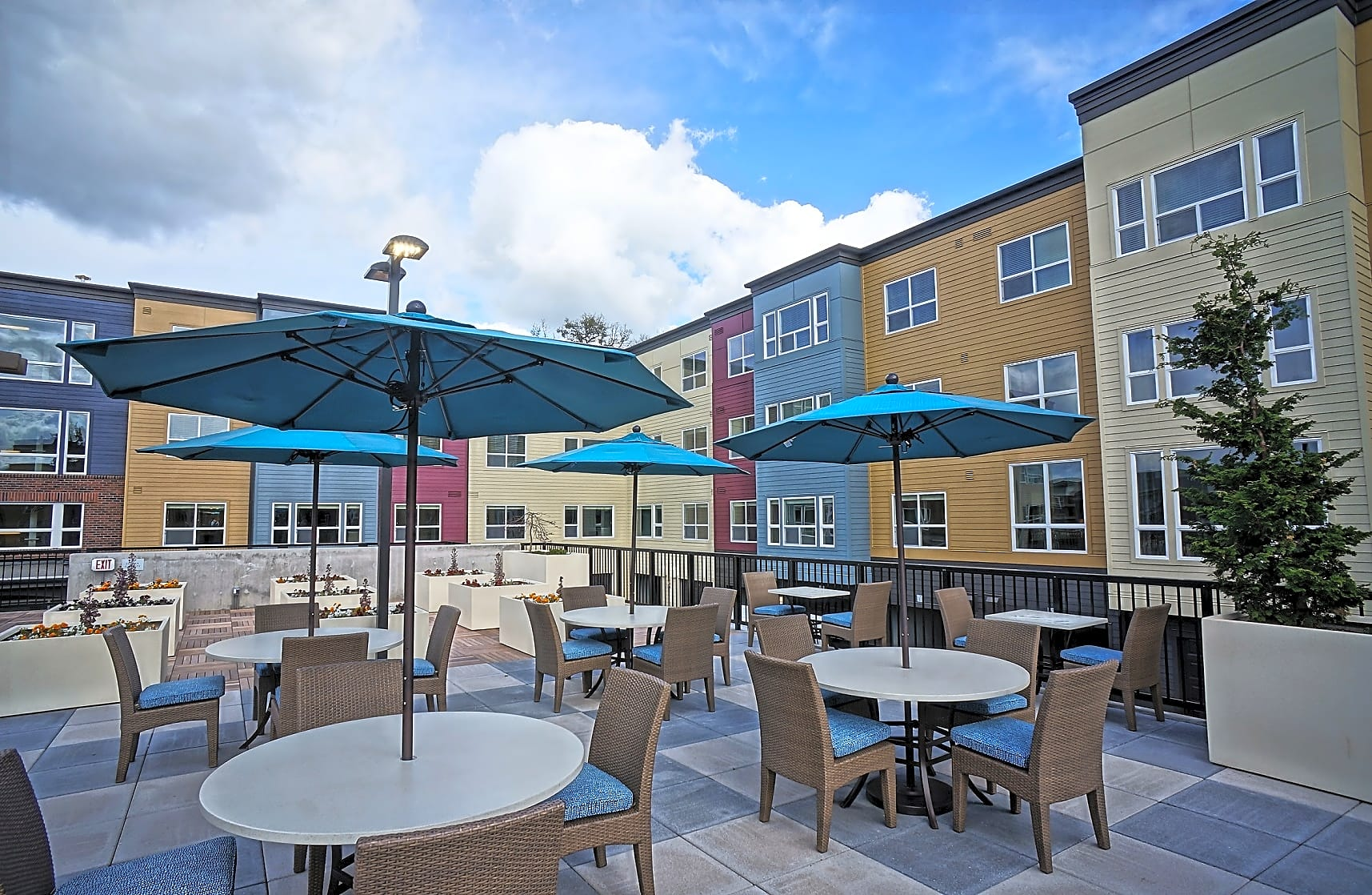 Apartments Near George Fox Portera at the Grove for George Fox University Students in Newberg, OR