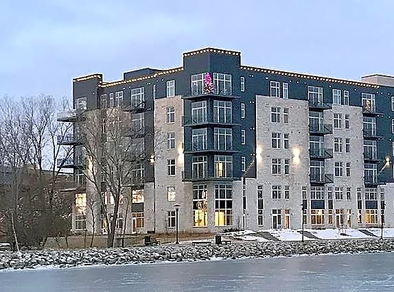 Apartments Near Rasmussen College-Wisconsin Manseau Flats Apartment Building for Rasmussen College-Wisconsin Students in Green Bay, WI