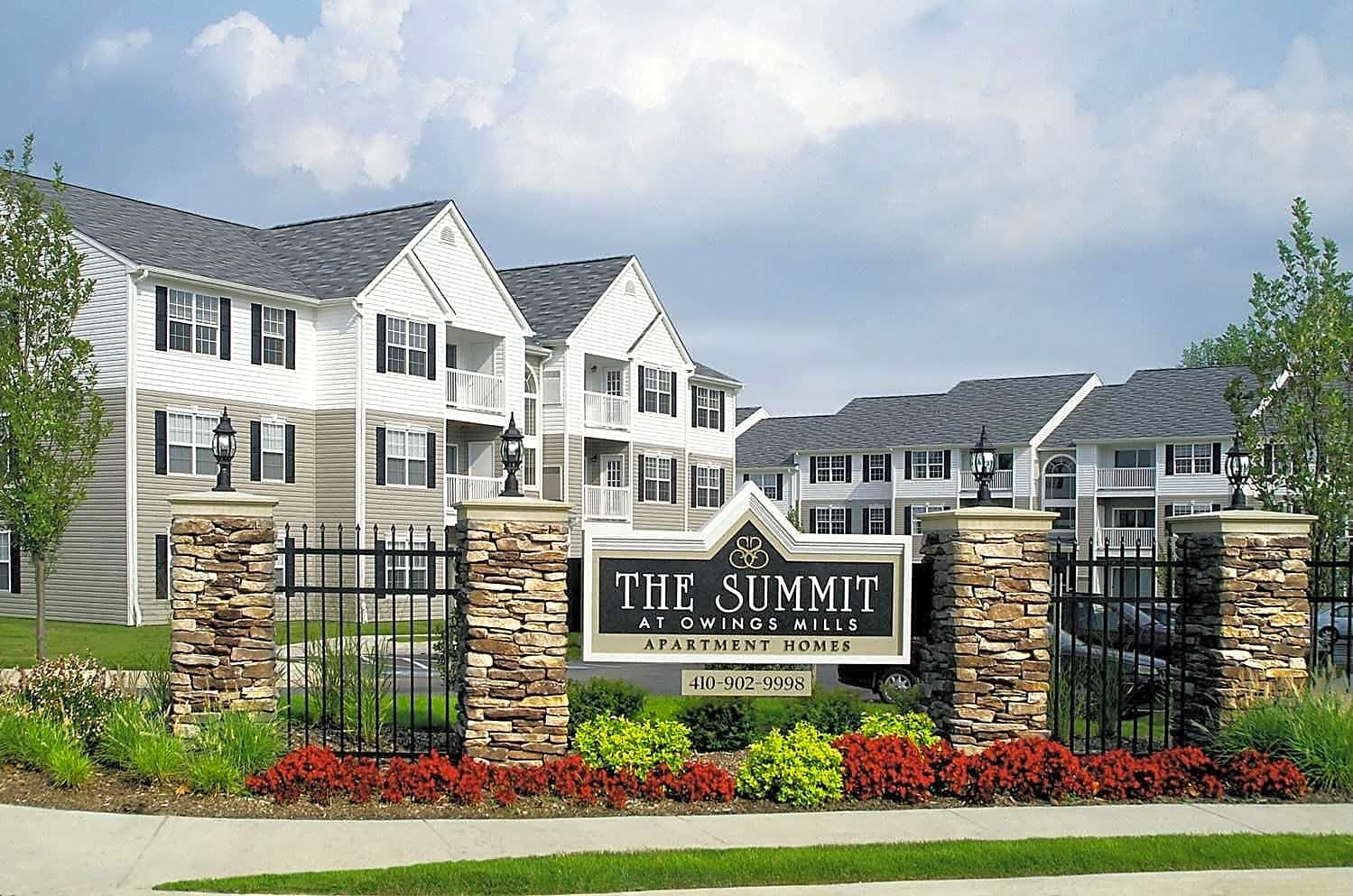 Apartments Near McDaniel Summit at Owings Mills for McDaniel College Students in Westminster, MD