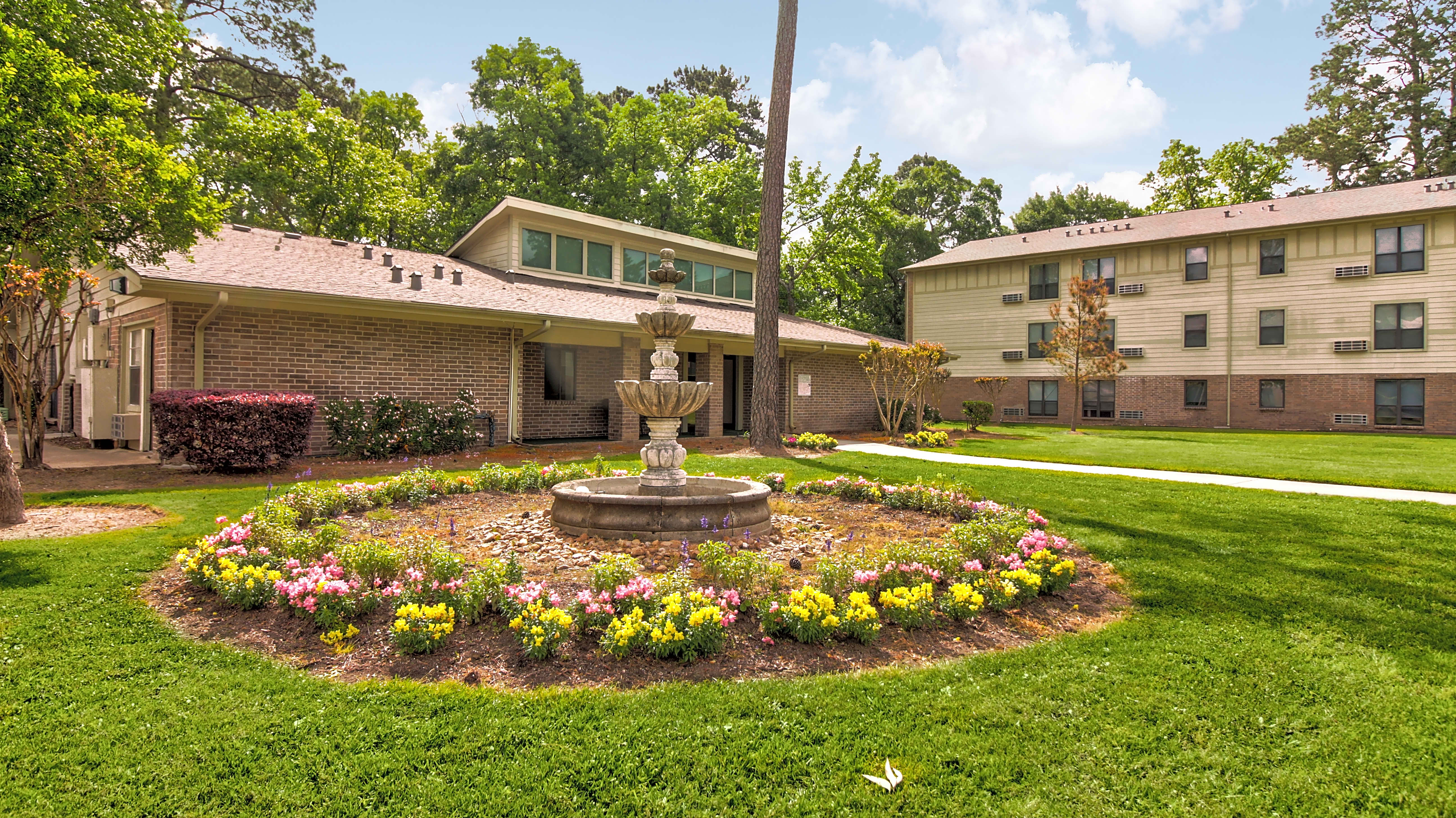 Apartments Near NHMCC Tamarac Pines for North Harris Montgomery Community College Students in The Woodlands, TX