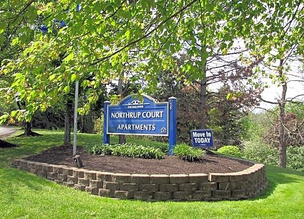 Apartments Near RMU Northrup Court for Robert Morris University Students in Moon Township, PA