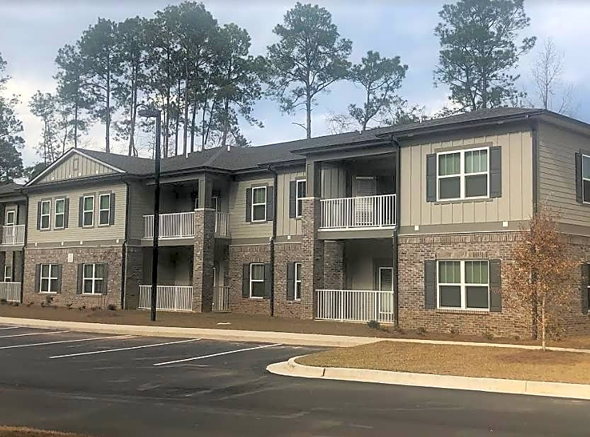 Apartments Near South Alabama Arbour at Satsuma - Senior Living 62 & Older for University of South Alabama Students in Mobile, AL