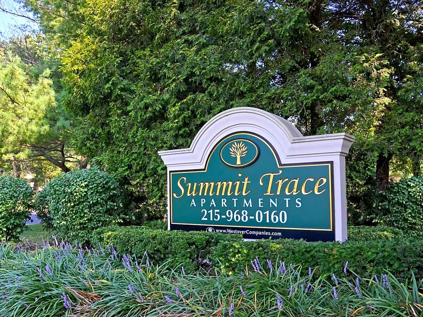 Apartments Near PBU Summit Trace At Newtown for Philadelphia Biblical University Students in Langhorne, PA