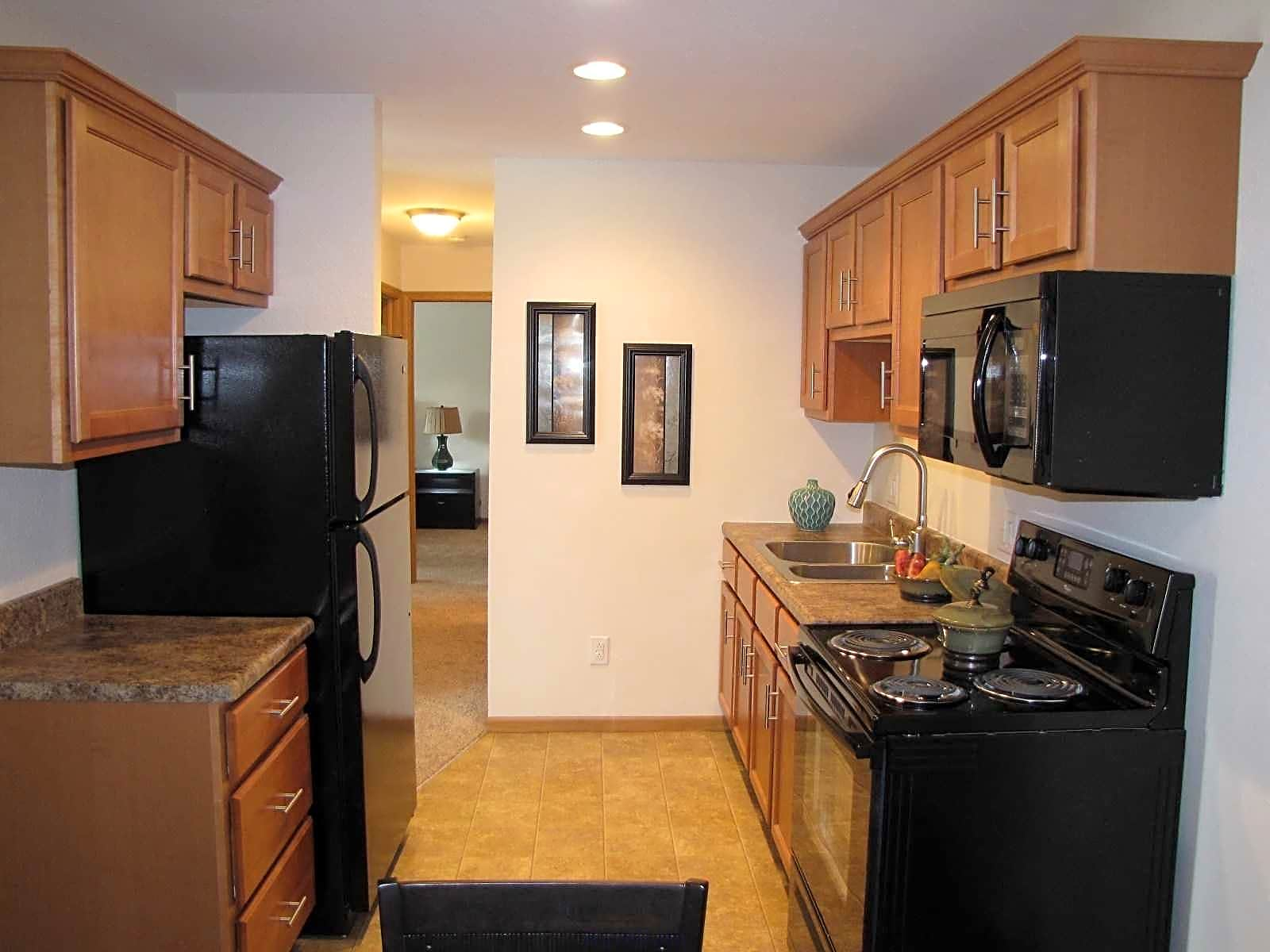 Courtyard Apartments - Toledo, OH 43613