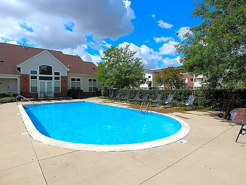 Apartments Near Lewis RiverStone Apartments for Lewis University Students in Romeoville, IL