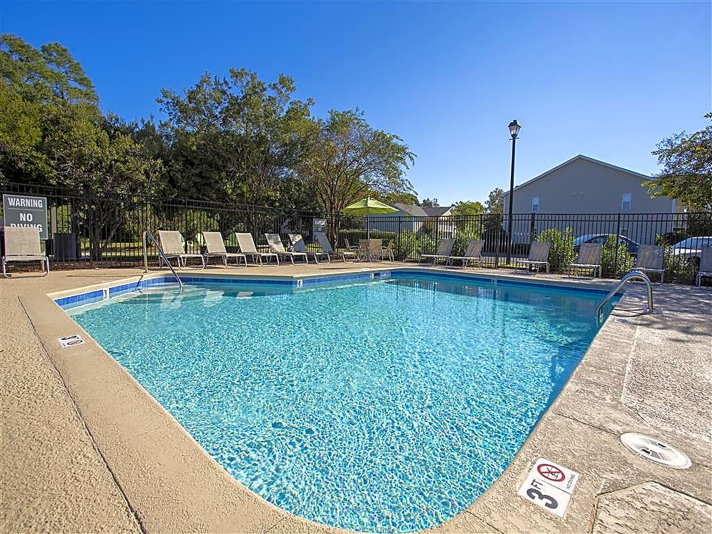 Apartments Near UNCW Hawthorne Commons - NC for University of North Carolina-Wilmington Students in Wilmington, NC