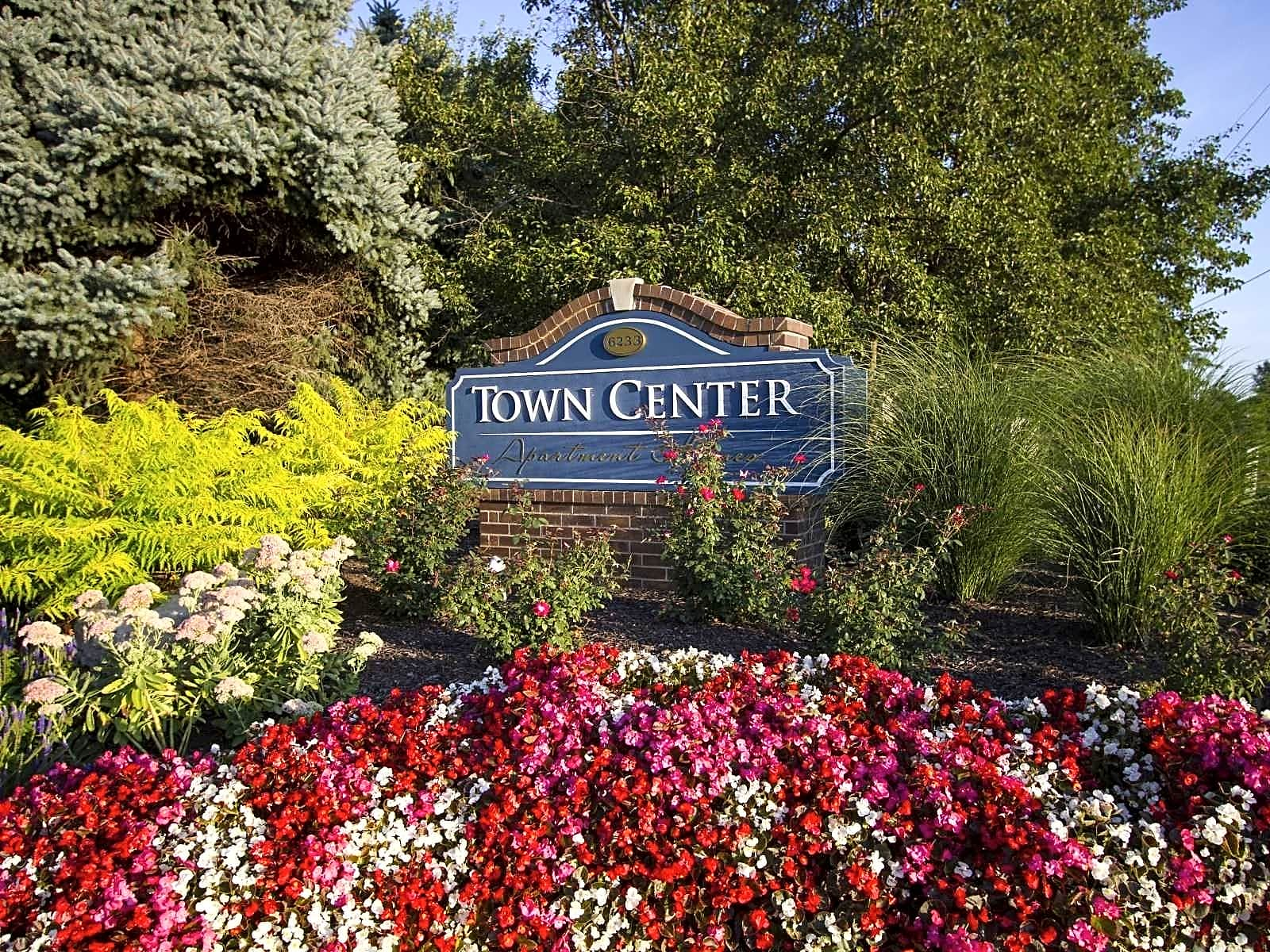 Town Center Apartments Overland Park