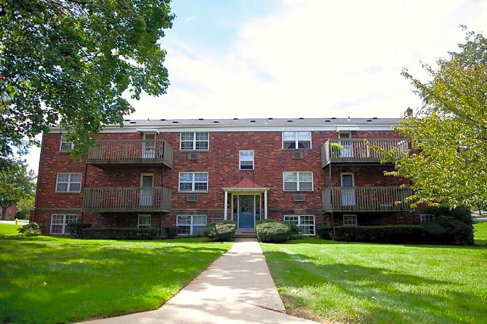 Apartments Near Moravian Lehigh Plaza for Moravian College Students in Bethlehem, PA
