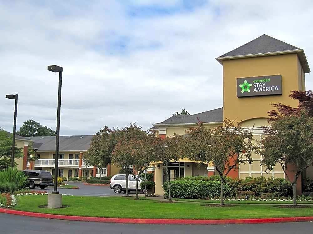Apartments Near Pacific Furnished Studio - Portland - Beaverton for Pacific University Students in Forest Grove, OR
