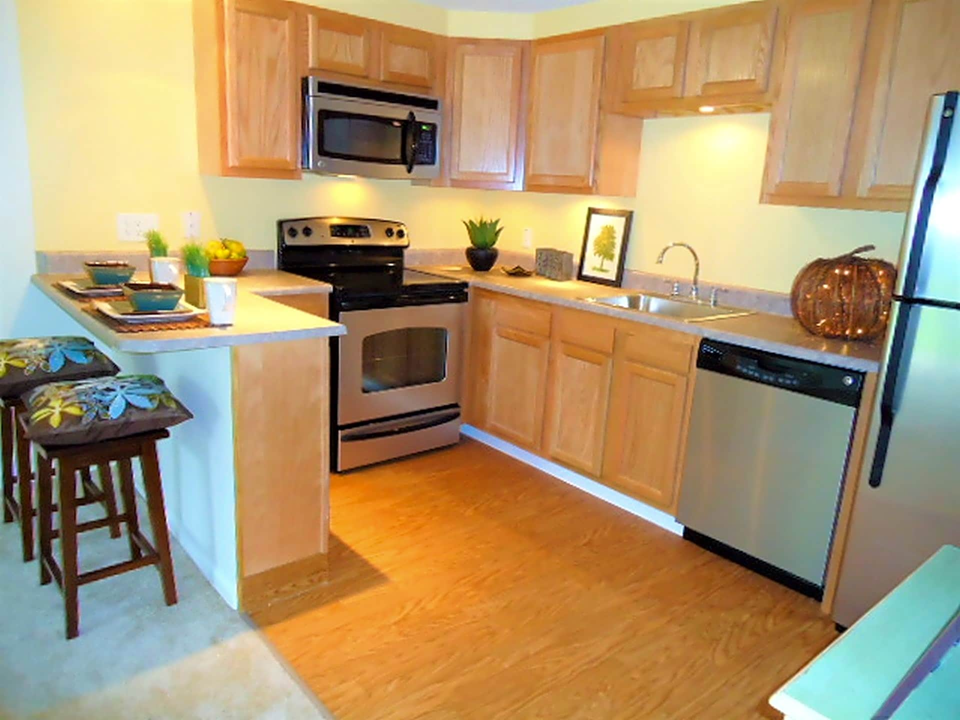 Apartments Near NWF State Pinnacle Pointe Apartments for Northwest Florida State College Students in Niceville, FL