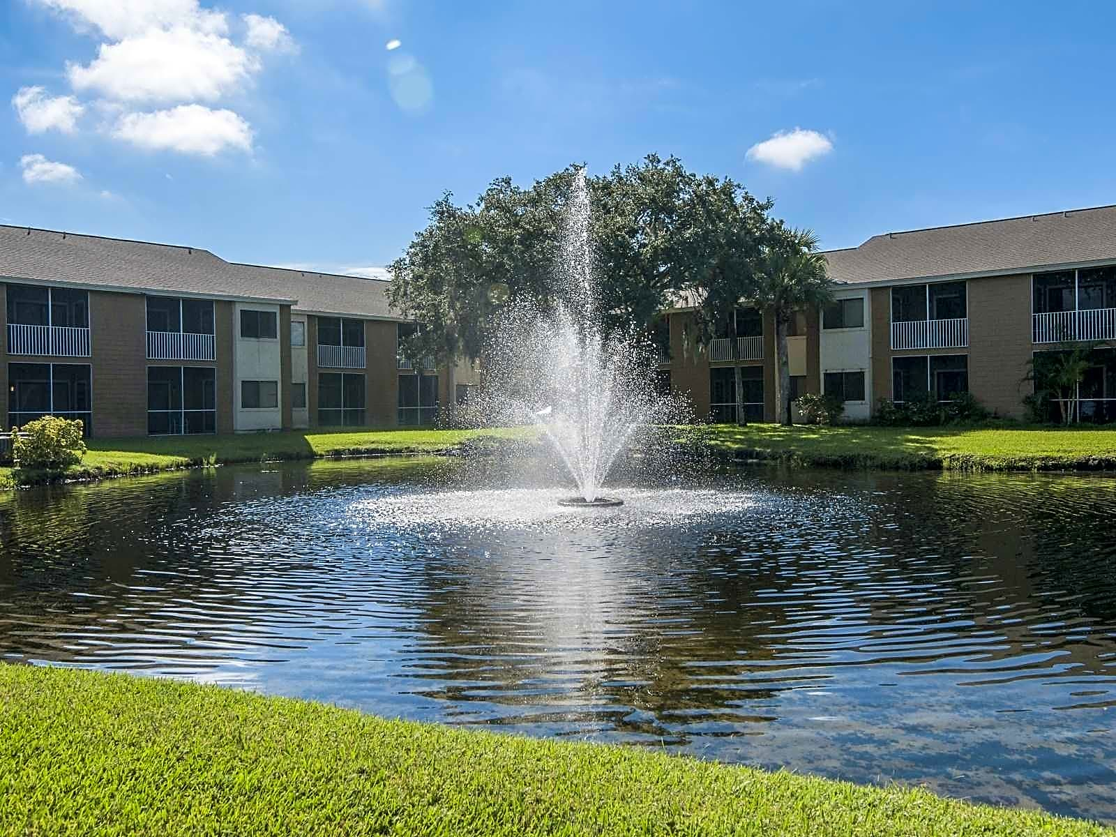 Apartments Near Florida Tech Courtyard On The Green for Florida Institute of Technology Students in Melbourne, FL