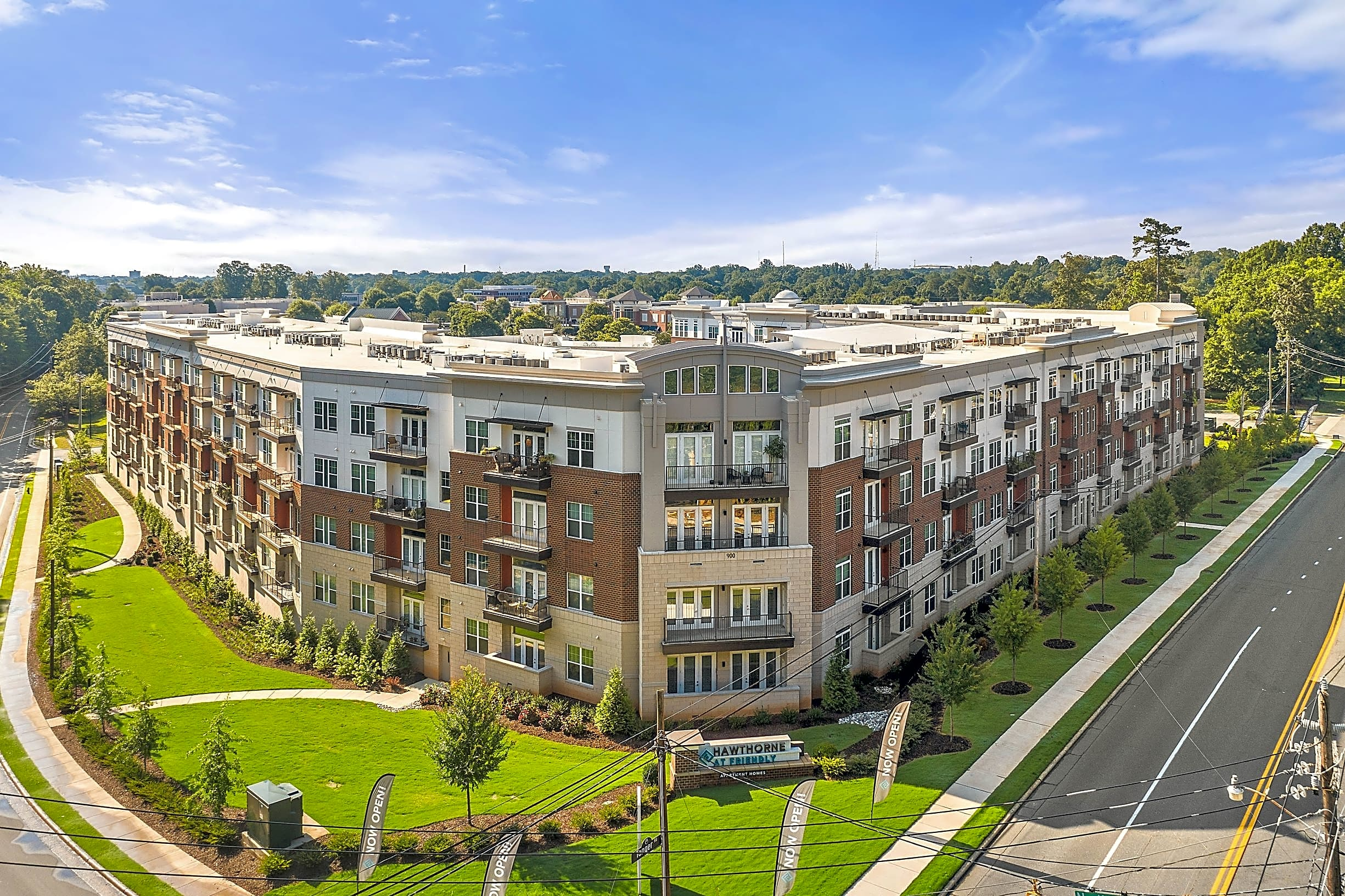 Apartments Near Guilford Hawthorne at Friendly for Guilford College Students in Greensboro, NC
