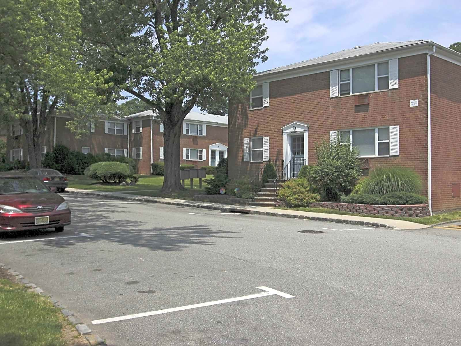 Redstone Gardens Lakeview Gardens Apartments Parsippany Nj 07054