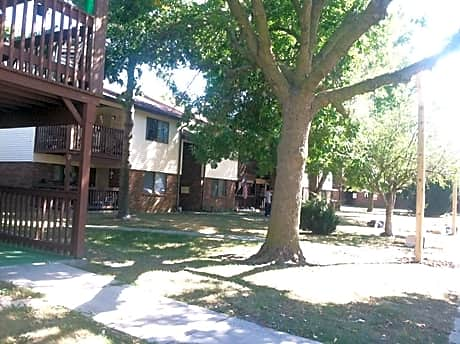 Photo: Mattoon Apartment for Rent - $100.00 / month; 2 Bd & 1 Ba
