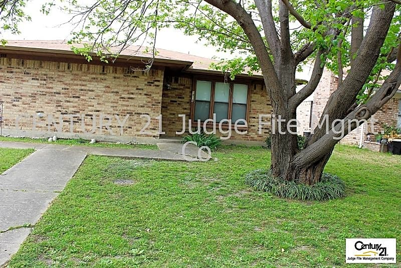 Duplex for Rent in Grand Prairie