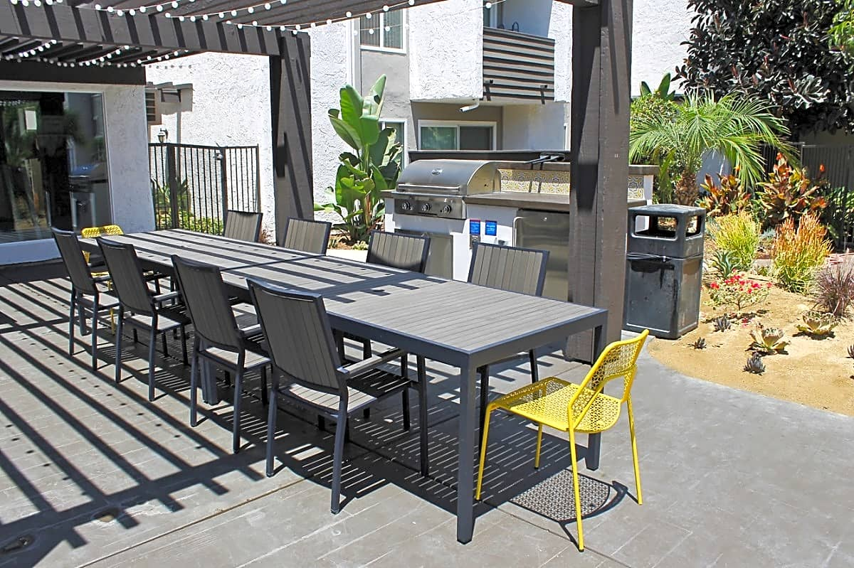 Photo: Woodland Hills Apartment for Rent - $1415.00 / month; 1 Bd & 1 Ba