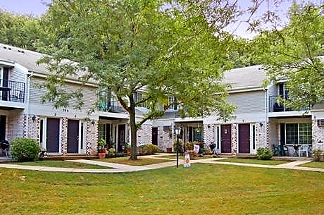 Stonewood Village Apartments for rent in Madison
