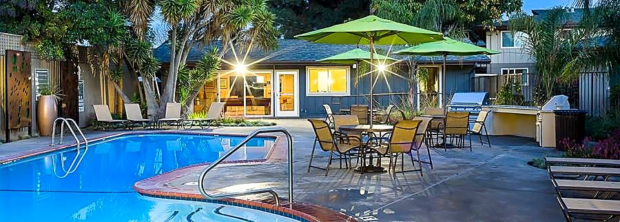 Apartments Near Foothill eaves Creekside for Foothill College Students in Los Altos Hills, CA
