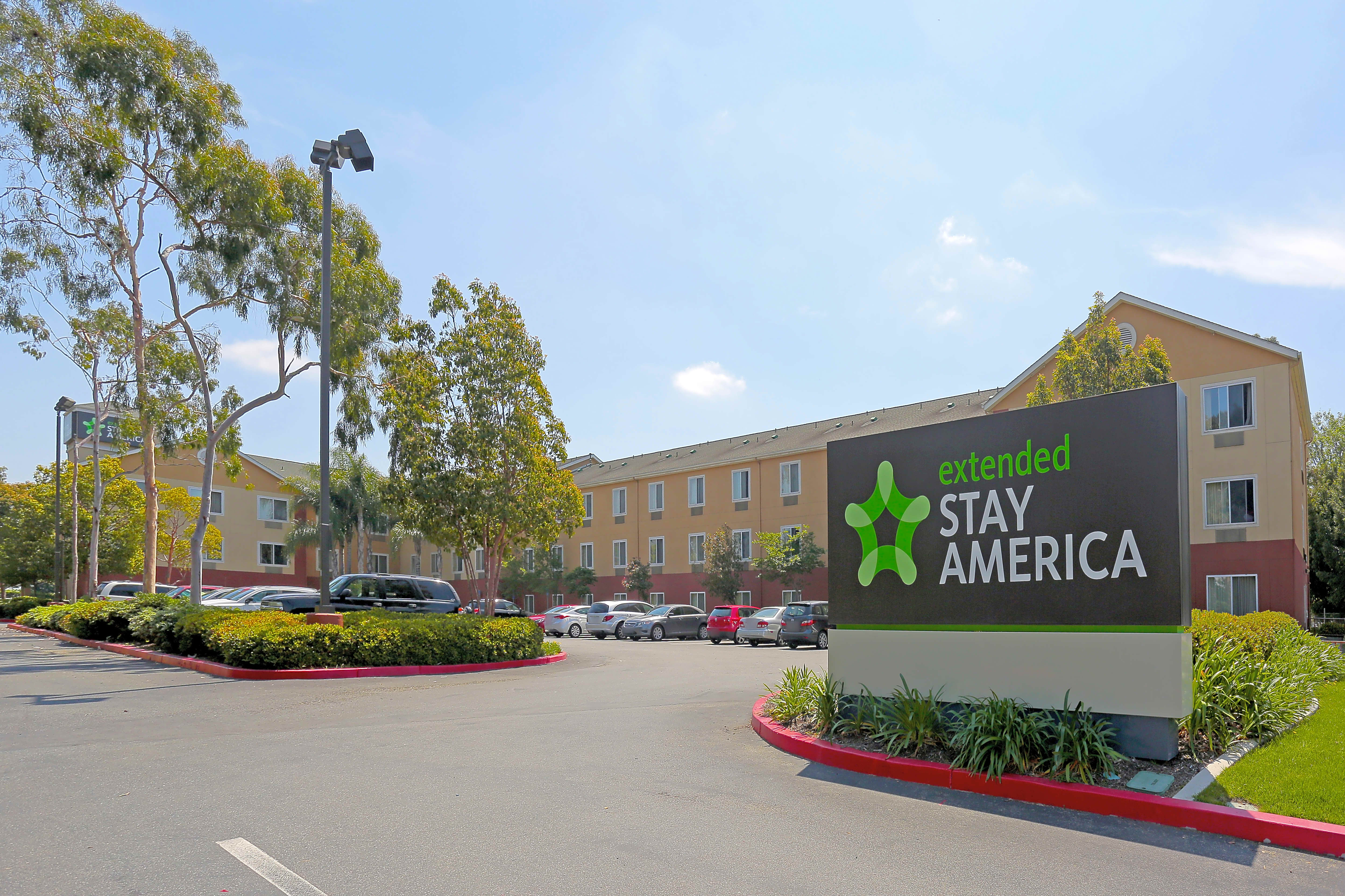 Apartments Near CSUDH Furnished Studio - Los Angeles - South for California State University-Dominguez Hills Students in Carson, CA