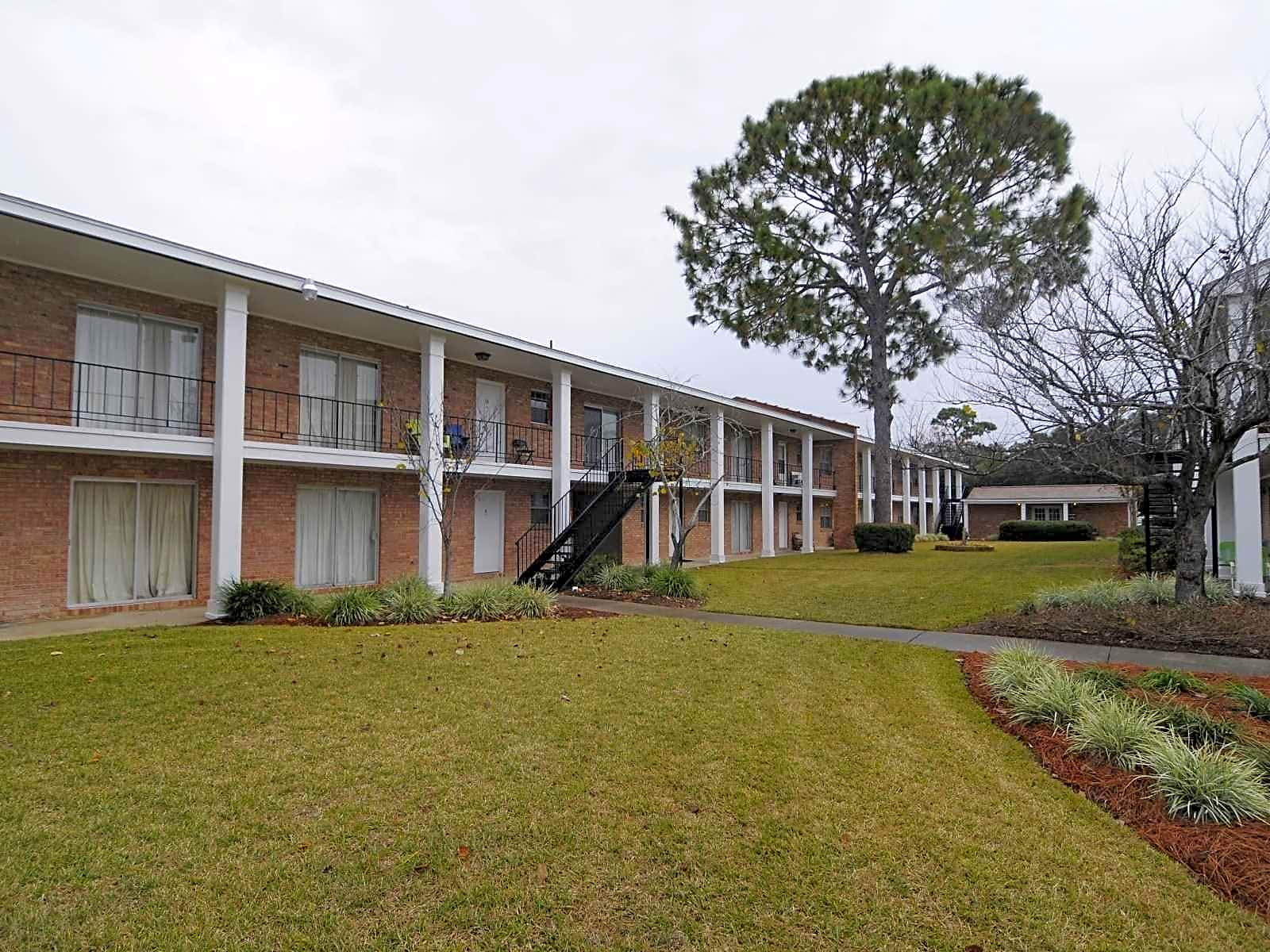 Apartments Near NWF State Colony House for Northwest Florida State College Students in Niceville, FL