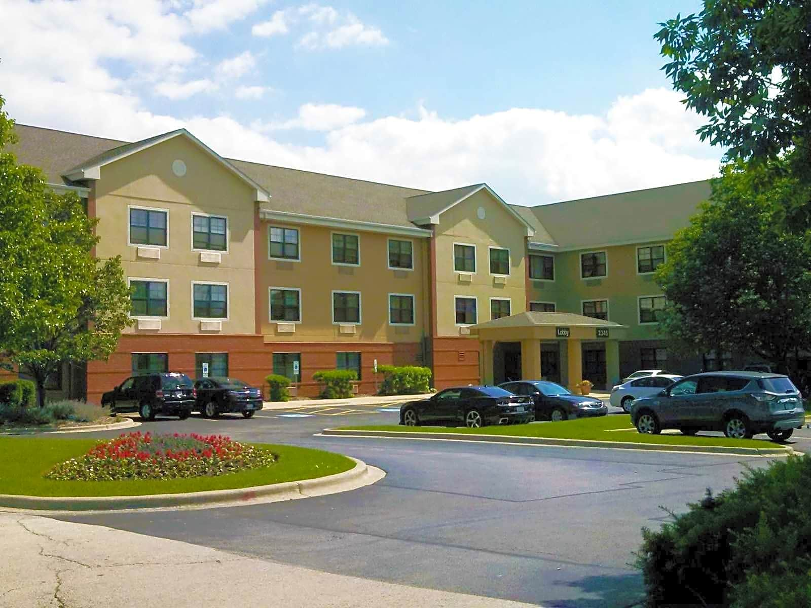 Apartments Near Lewis Furnished Studio - Chicago - Darien for Lewis University Students in Romeoville, IL