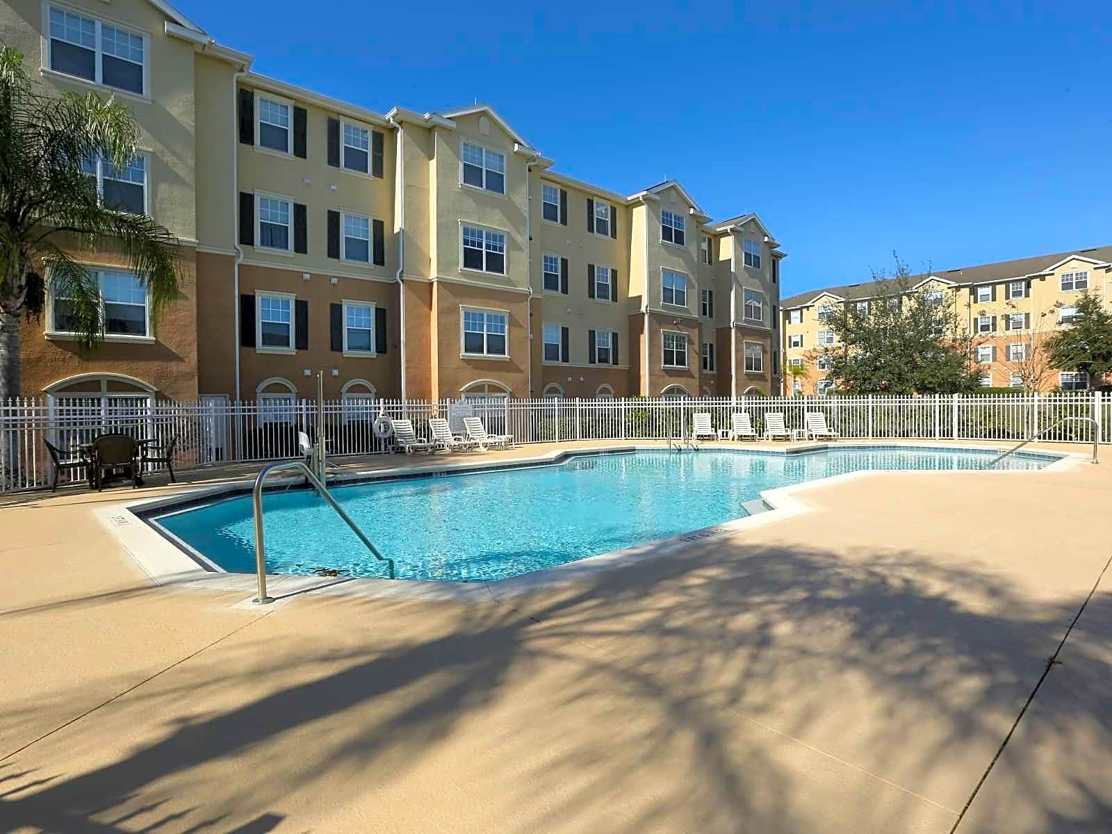 Country Club Hills Apartments