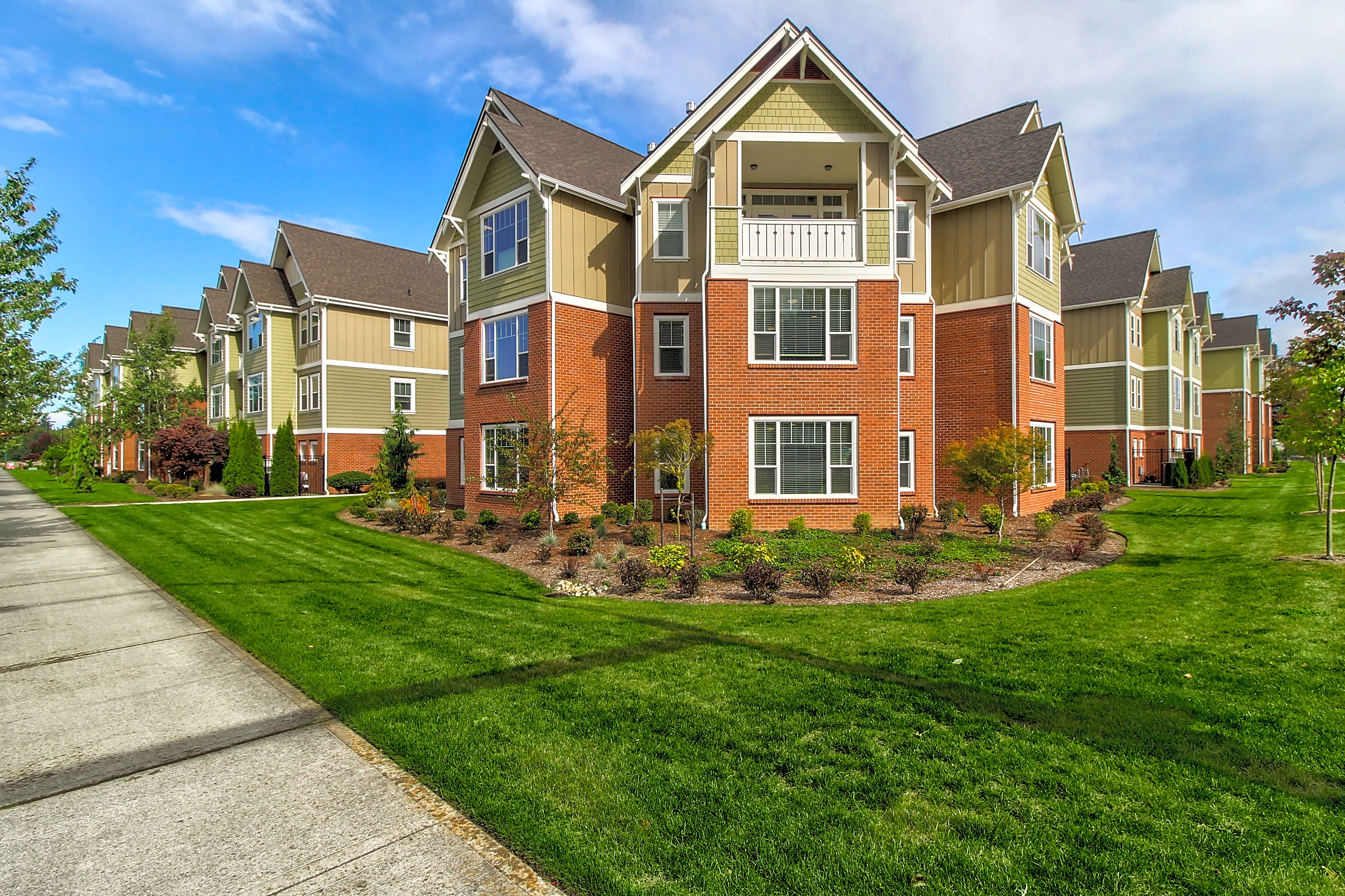 Apartments Near WCTC Silver Leaf Residences 55 + for Washington Community and Technical Colleges Students in Olympia, WA