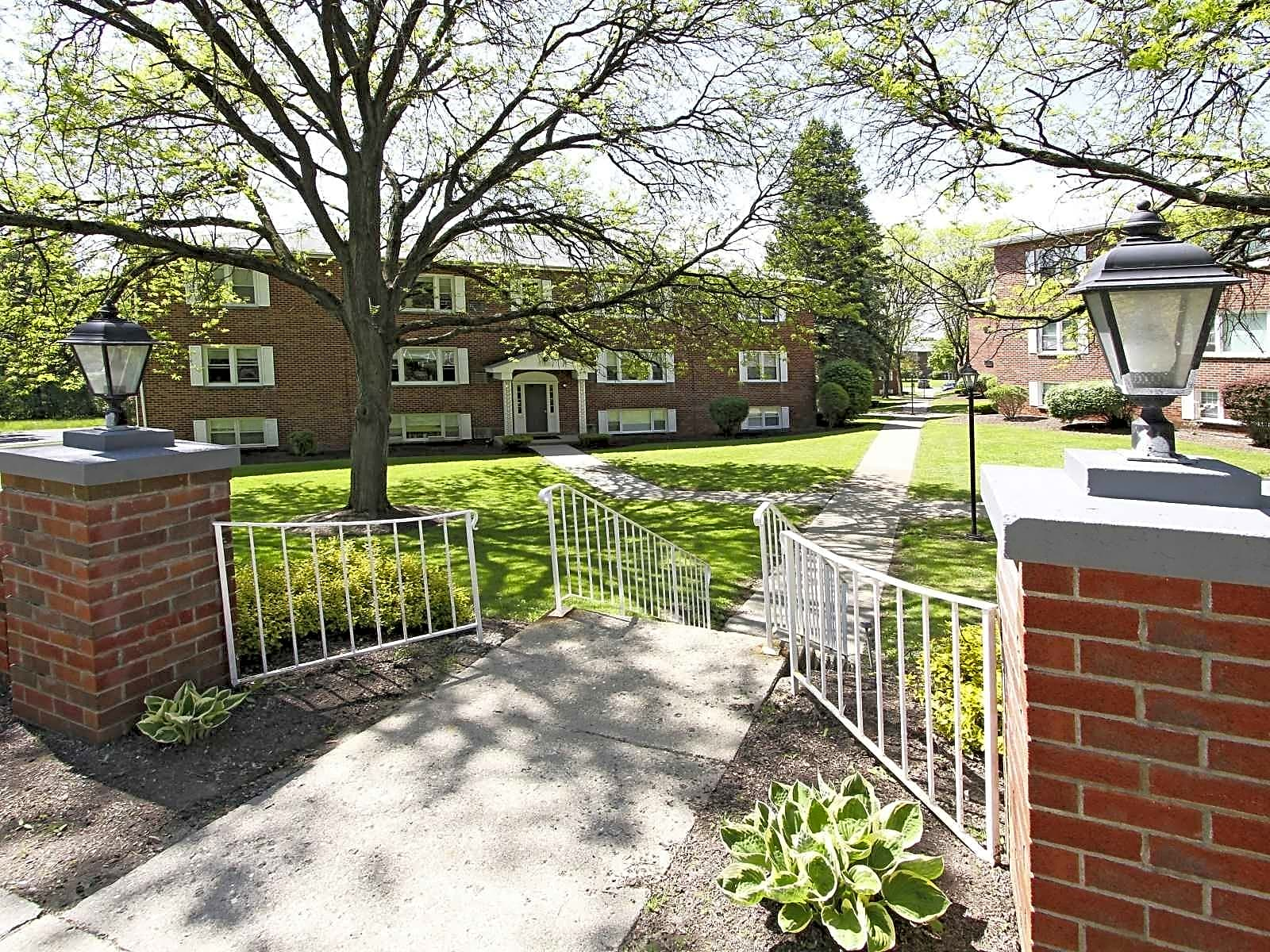 Apartments Near Siena Park Hill Lane for Siena College Students in Loudonville, NY