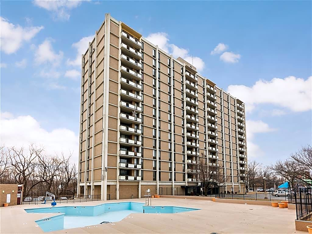Apartments Near Ravenscroft Beauty College Three Rivers Luxury Apartments for Ravenscroft Beauty College Students in Fort Wayne, IN