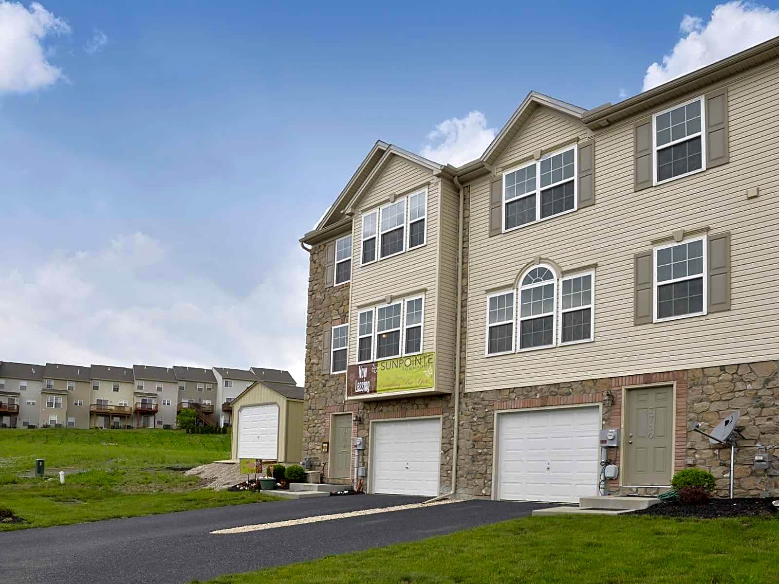 Apartments Near Lebanon Valley Sunpointe Townhomes for Lebanon Valley College Students in Annville, PA