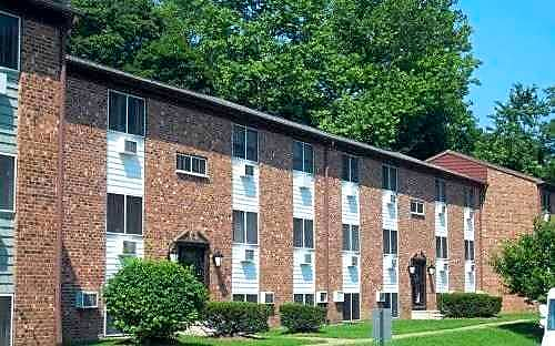 Oak Tree Garden Apartments