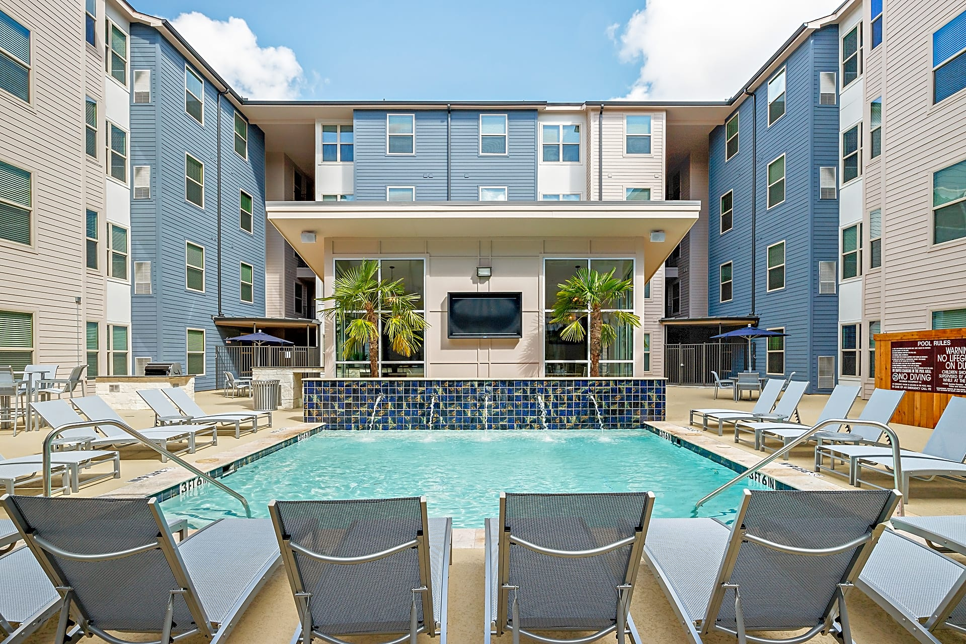 Cherry Street Apartments at Northgate - College Station ...