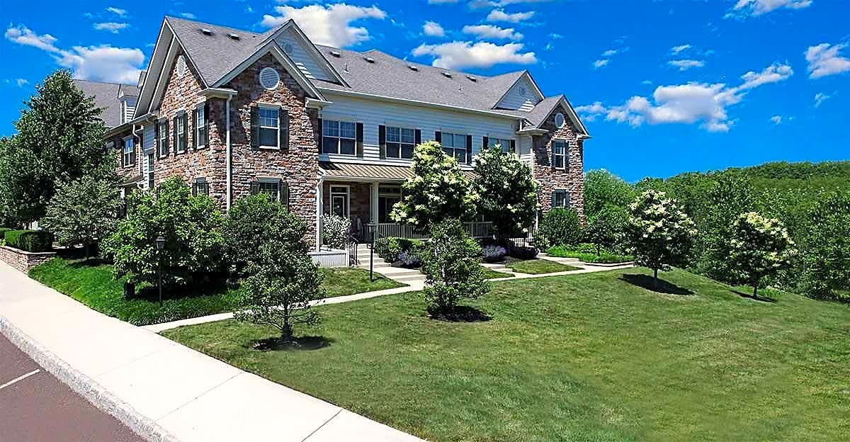 Apartments Near DelVal Heritage Greene for Delaware Valley College Students in Doylestown, PA