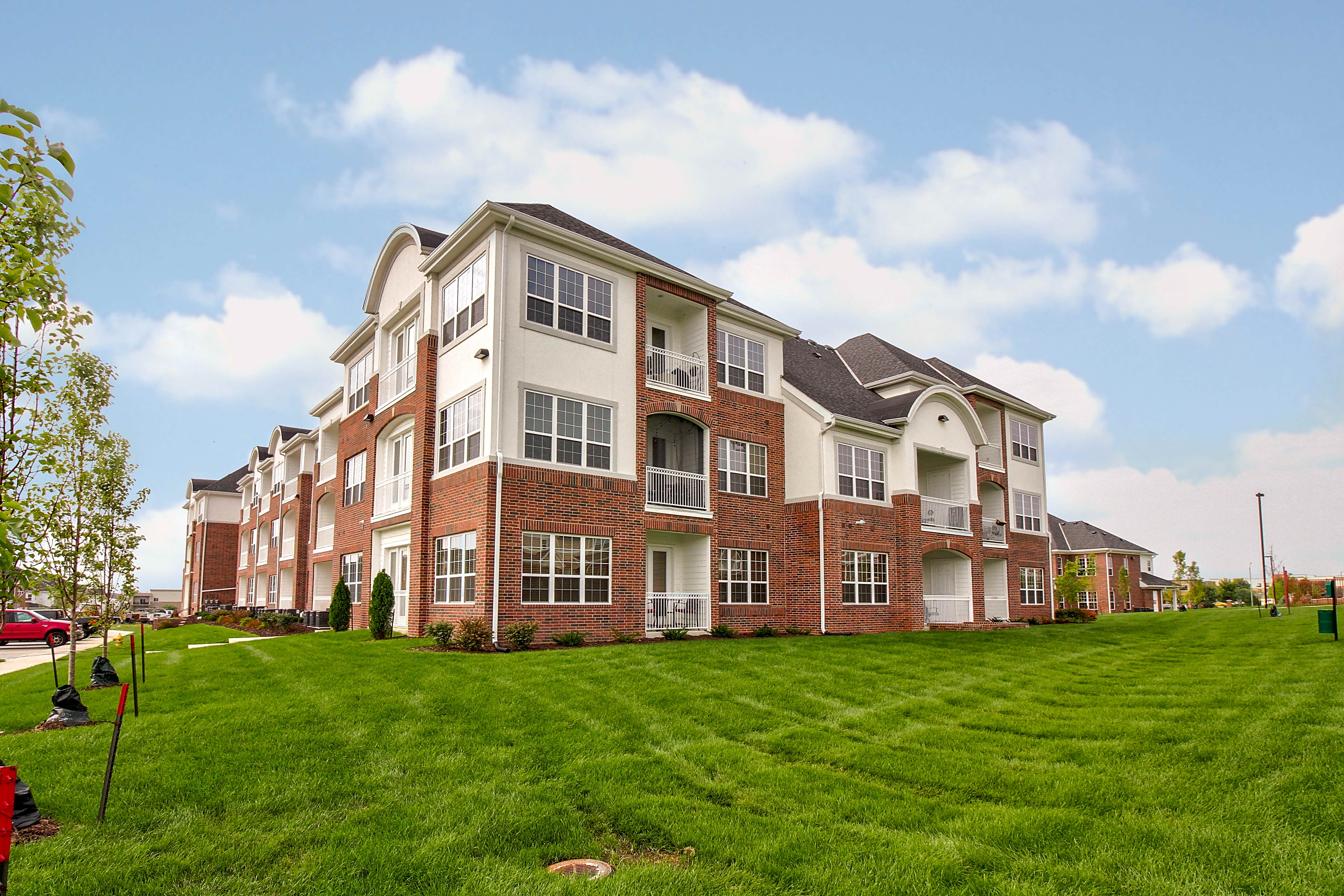 Apartments Near Aveda Institute-Des Moines BelleMeade Apartments for Aveda Institute-Des Moines Students in West Des Moines, IA