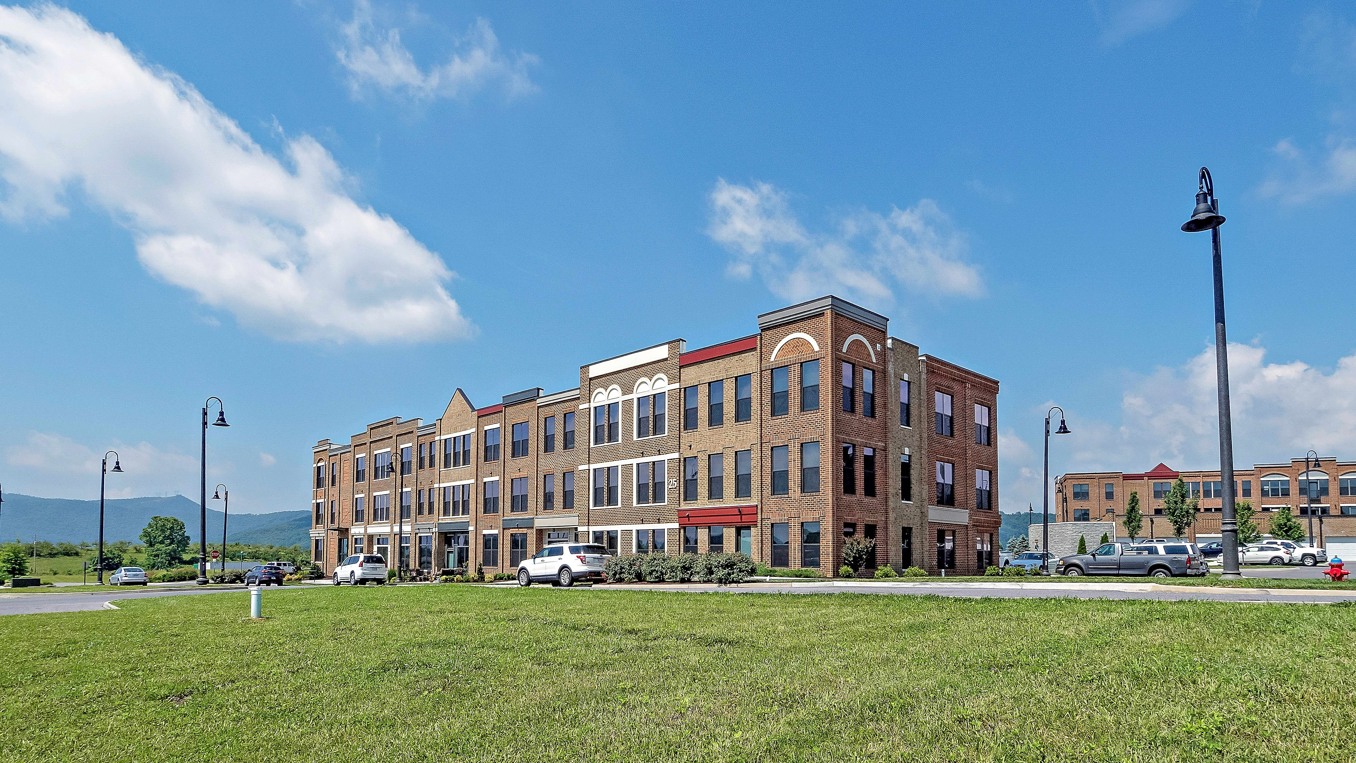Apartments Near Hollins Daleville Town Center for Hollins University Students in Roanoke, VA