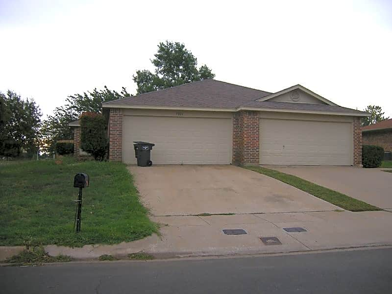 Duplex for Rent in Fort Worth