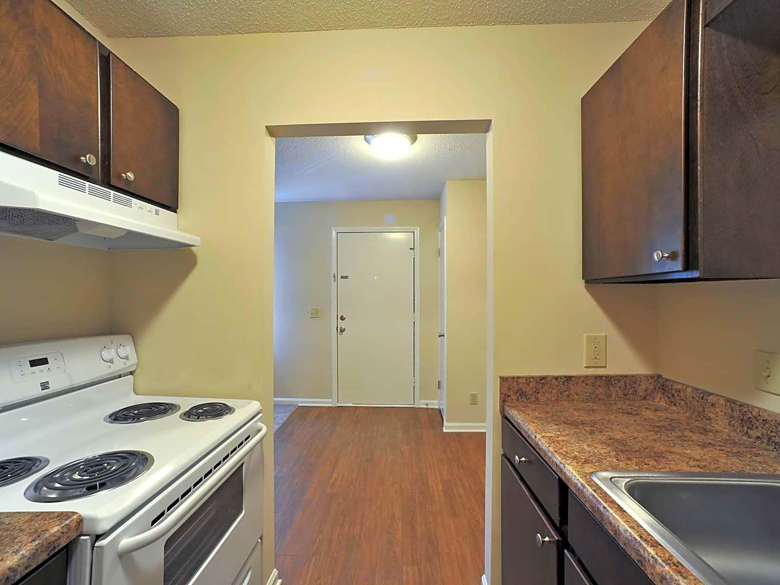 Photo: Greensboro Apartment for Rent - $650.00 / month; 2 Bd & 1 Ba