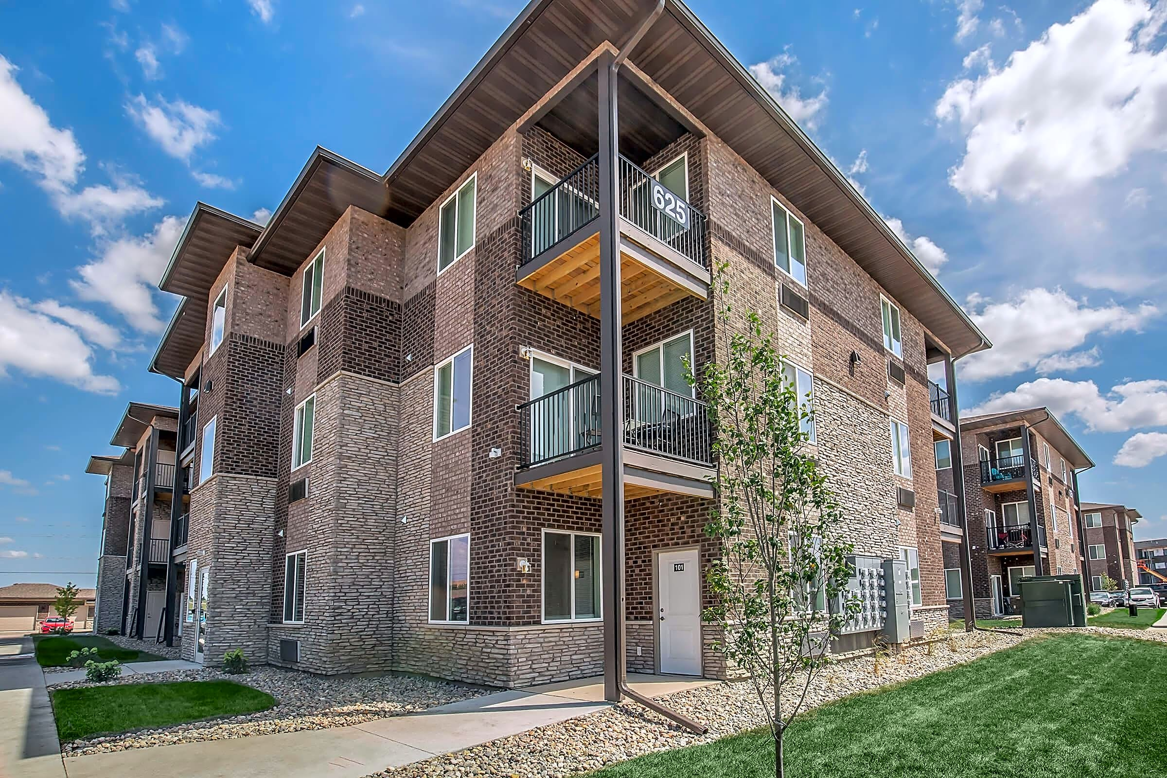 Apartments Near Kaplan University-Des Moines Campus The Allure at 141 for Kaplan University-Des Moines Campus Students in Urbandale, IA