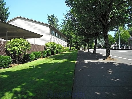 Greenwood Village Apartments for rent in Portland