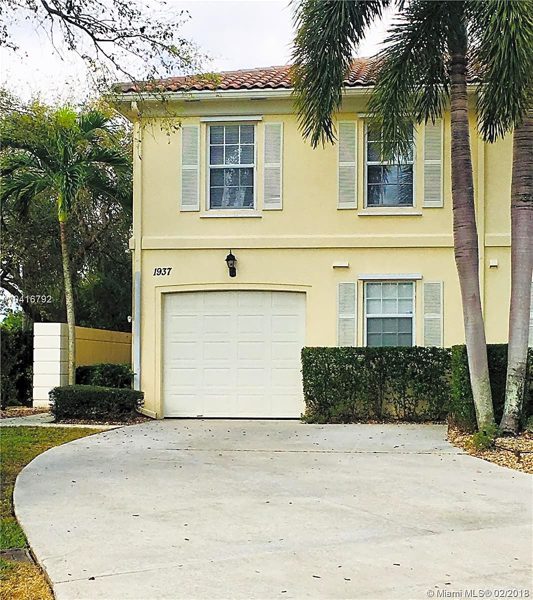 House Rentals West Palm Beach Fl: Incredible End Unit Townhouse Apartments