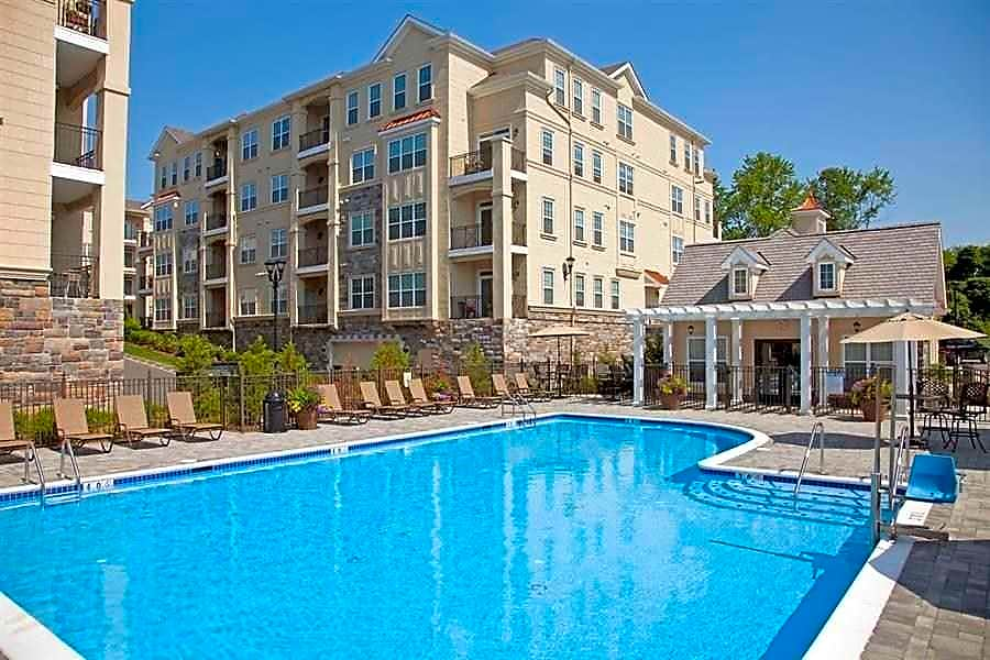 Apartments Near Centenary Presidential Place for Centenary College Students in Hackettstown, NJ