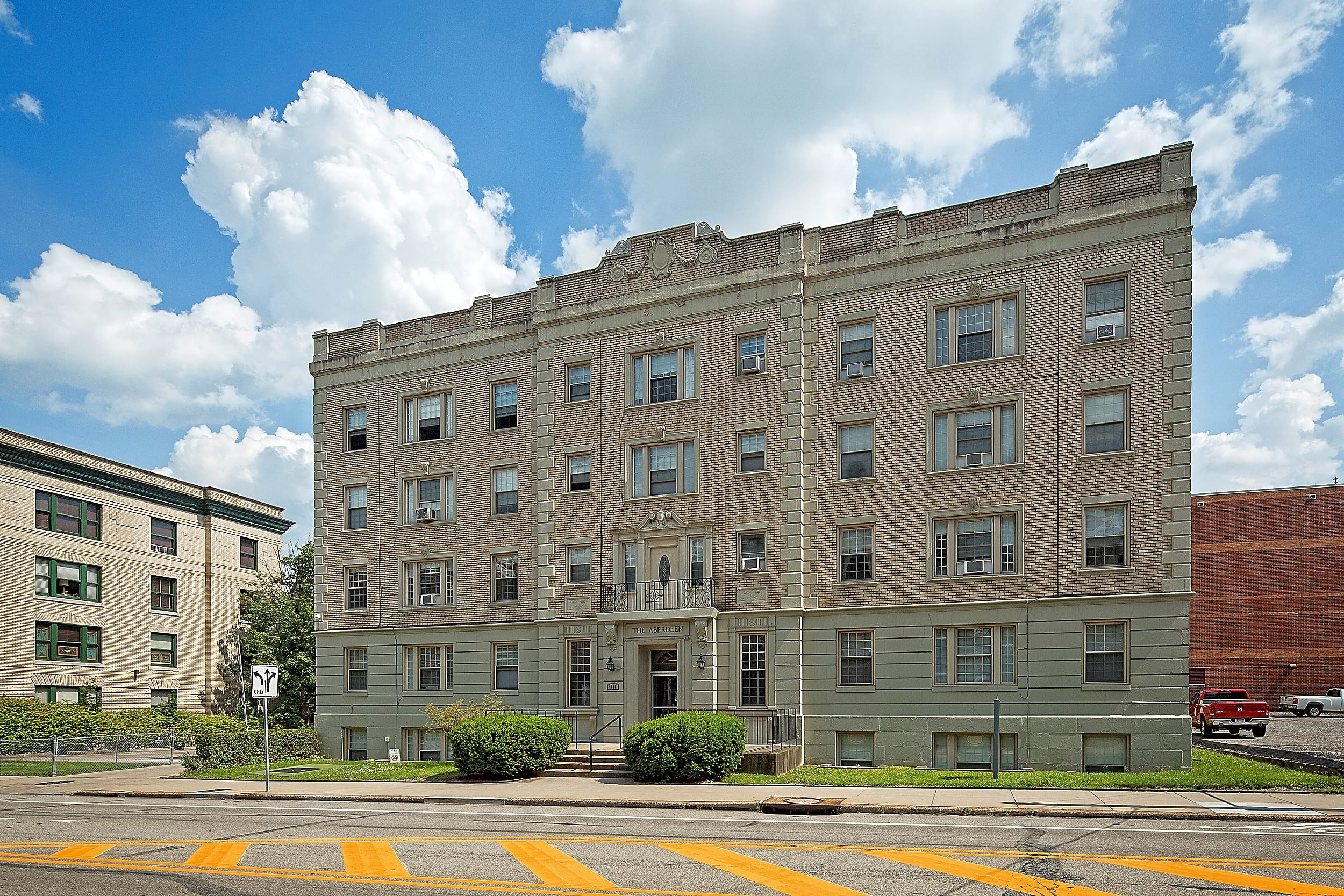 Apartments Near CMU Aberdeen Apartments for Carnegie Mellon University Students in Pittsburgh, PA