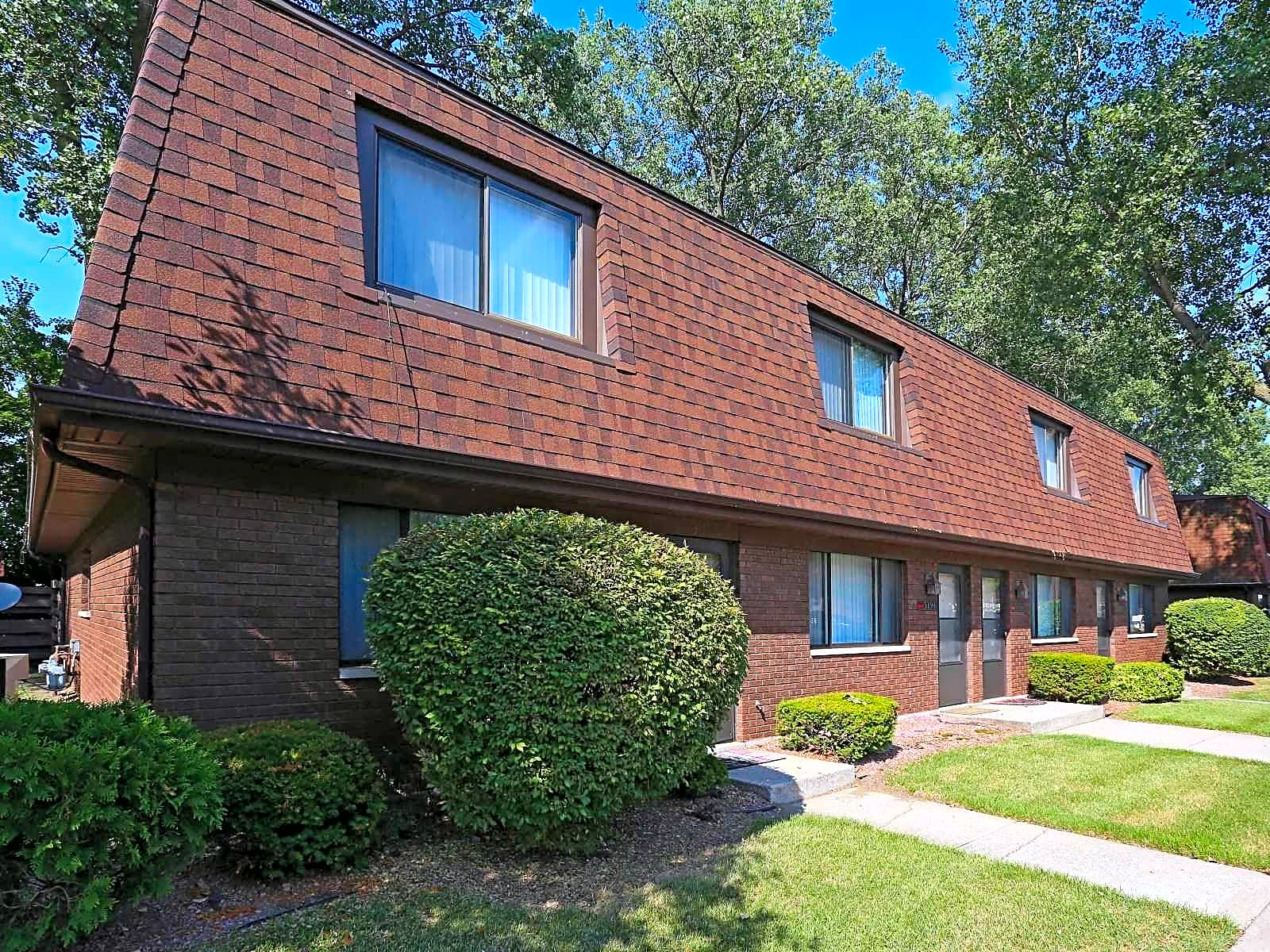 Cherry Hill District Apartments Lansing
