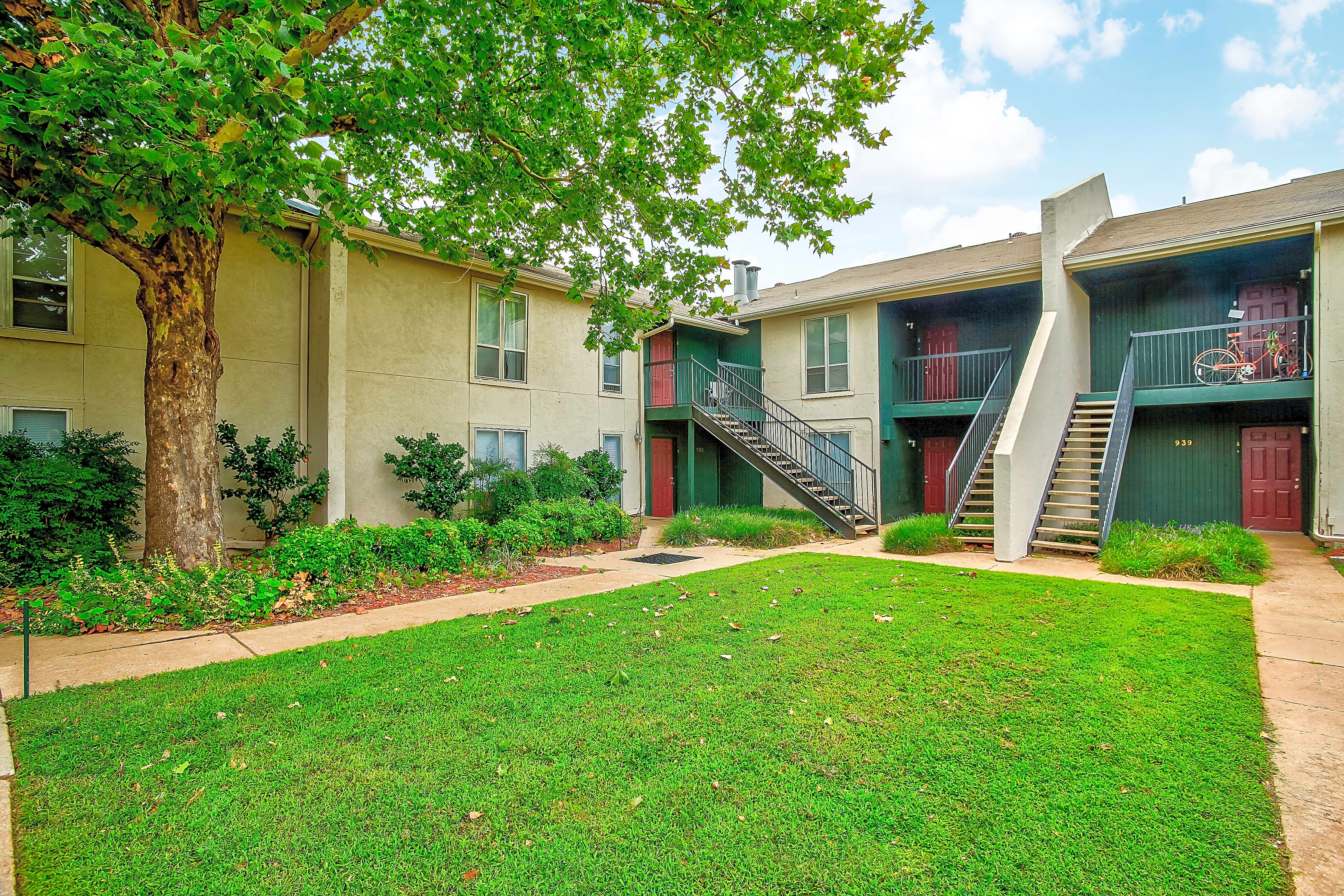 Apartments Near OU Brookhollow Apartments for University of Oklahoma Students in Norman, OK