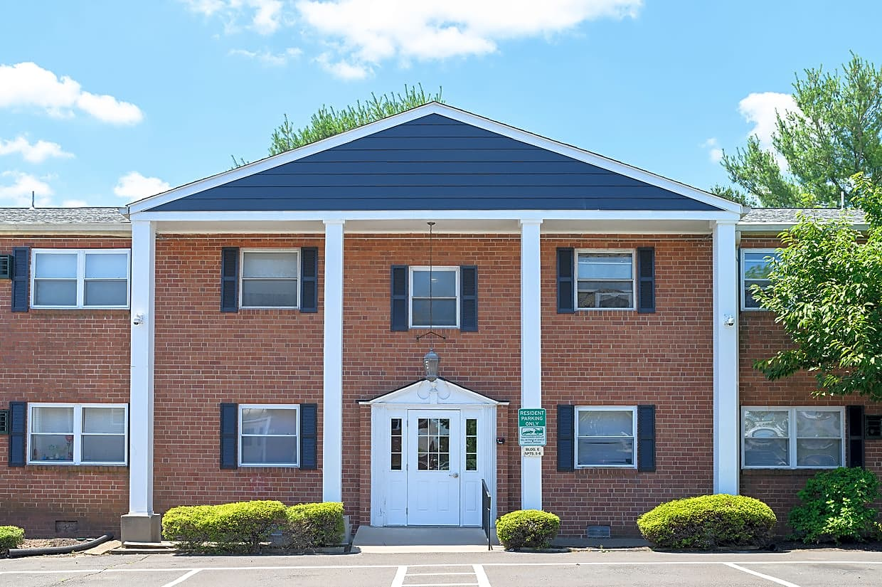 Apartments Near PBU Colonial Point for Philadelphia Biblical University Students in Langhorne, PA