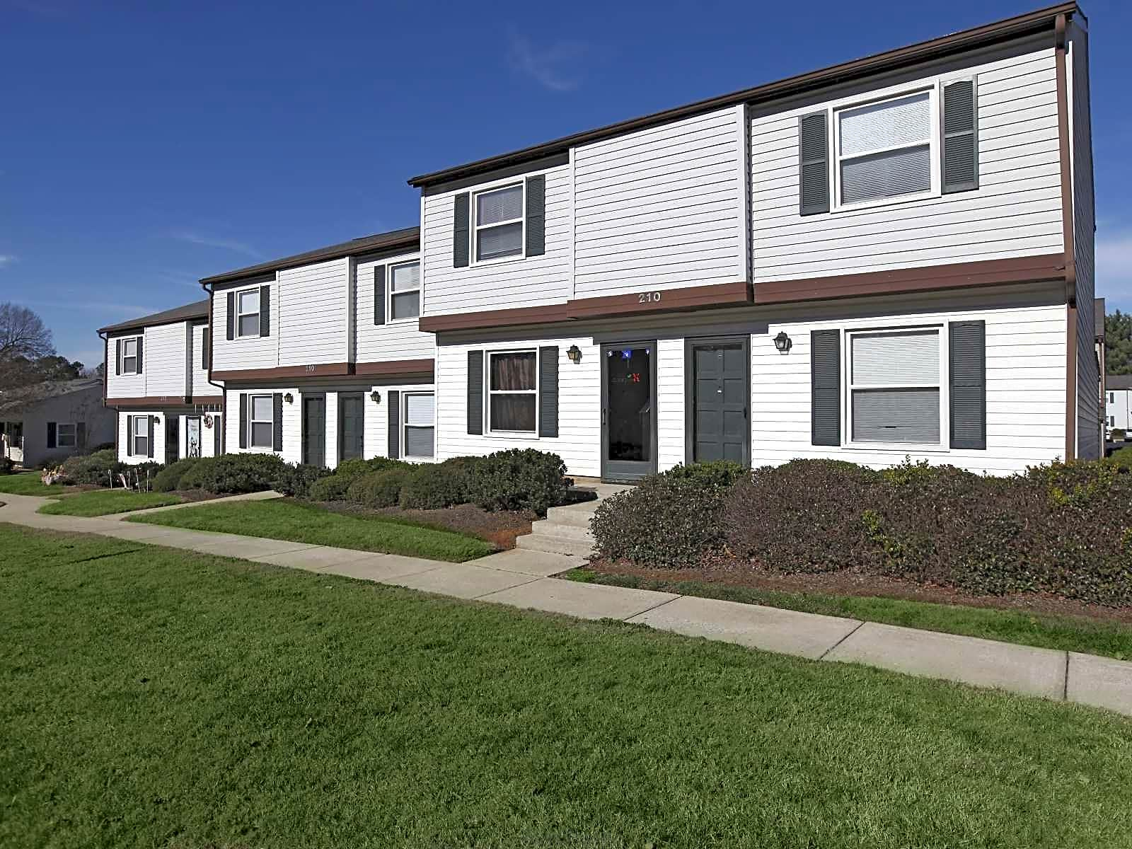 Apartments Near Catawba Fairview Village for Catawba College Students in Salisbury, NC