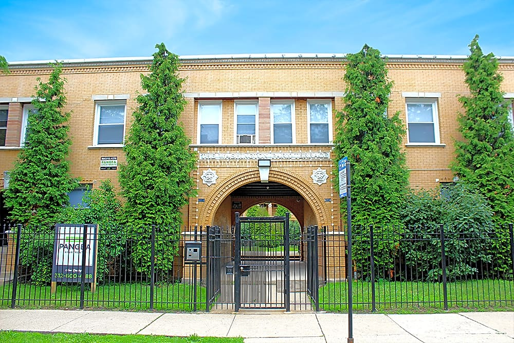Apartments Near City Colleges of Chicago-Richard J Daley College 6160 S Martin Luther King Dr. for City Colleges of Chicago-Richard J Daley College Students in Chicago, IL