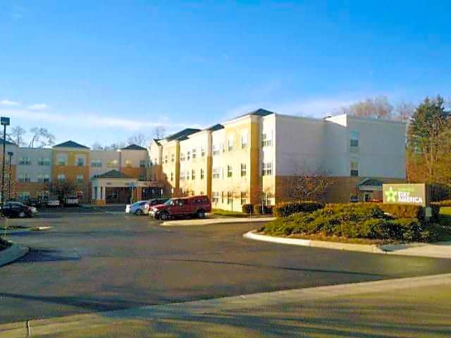 Apartments Near Madonna Furnished Studio - Detroit - Novi - Orchard Hill Place for Madonna University Students in Livonia, MI