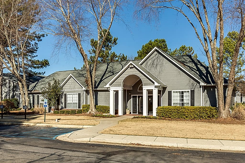 Apartments Near Athens State Magnolia Pointe at Madison for Athens State University Students in Athens, AL